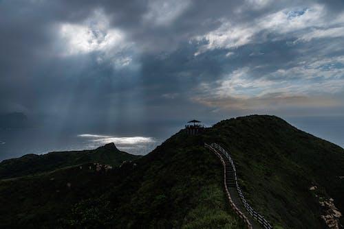 Ingyenes stockfotó felhős égbolt, fénysugár témában