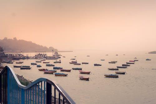 Δωρεάν στοκ φωτογραφιών με αποβάθρα, απόγευμα, βάρκες, δίπλα στη θάλασσα