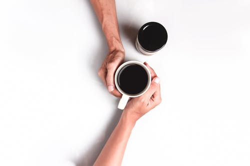 Imagine de stoc gratuită din atinge, cafea, cafea neagră, căni