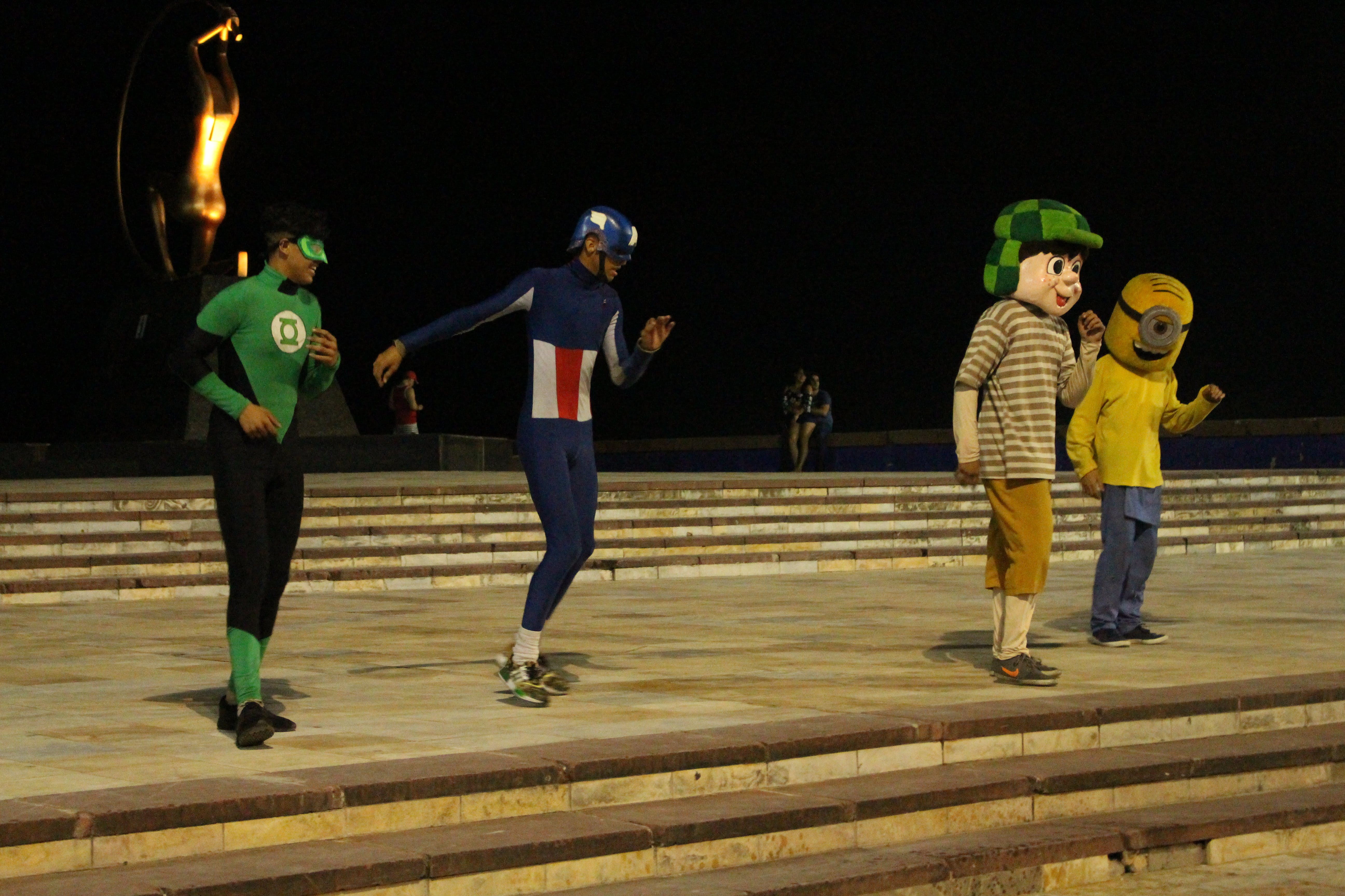 Free stock photo of Capitanamerican, chaves, clowns, dance