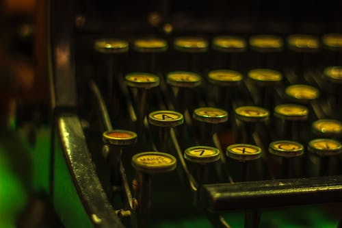 Photos gratuites de machine à écrire rétro, rétro, une lettre