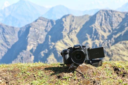 Бесплатное стоковое фото с dslr, гаджеты, горы, камера