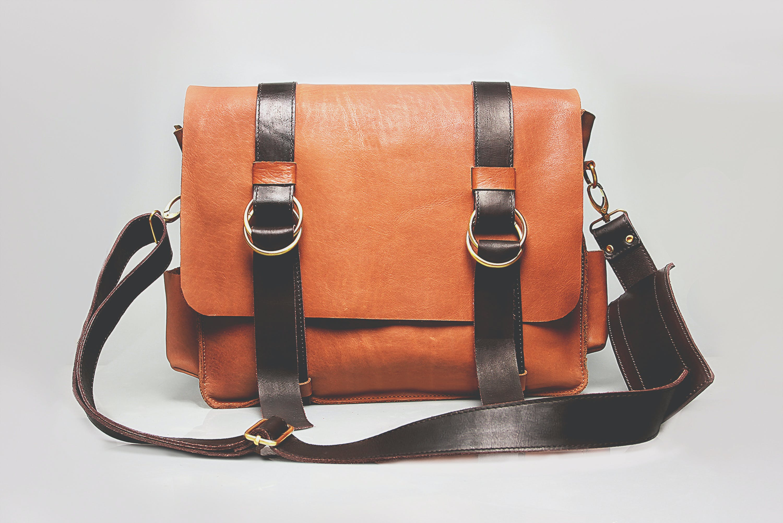 กระเป๋าหนัง, กระเป๋าเดินทาง, กระเป๋าเอกสาร