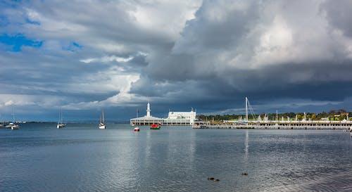 구름 낀 하늘, 방파제, 범선, 부두의 무료 스톡 사진
