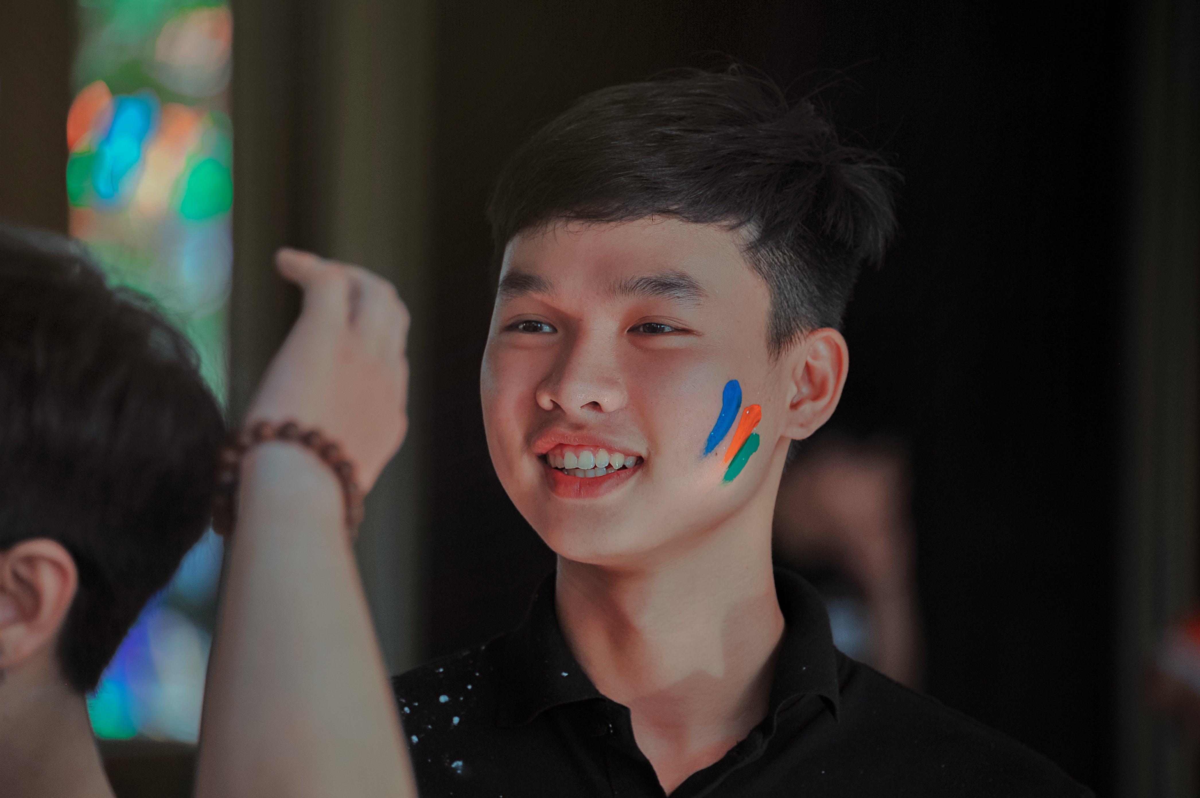 азиат, азиатский мальчик, в помещении
