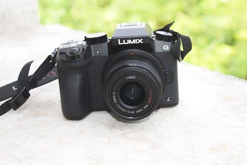Бесплатное стоковое фото с dslr, беззеркальная камера, гаджеты, камера