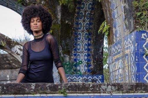 Základová fotografie zdarma na téma afro, afroamerický, budova, doplňky