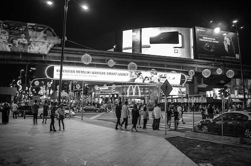 Imagine de stoc gratuită din alb-negru, asiatici, automobil, drum