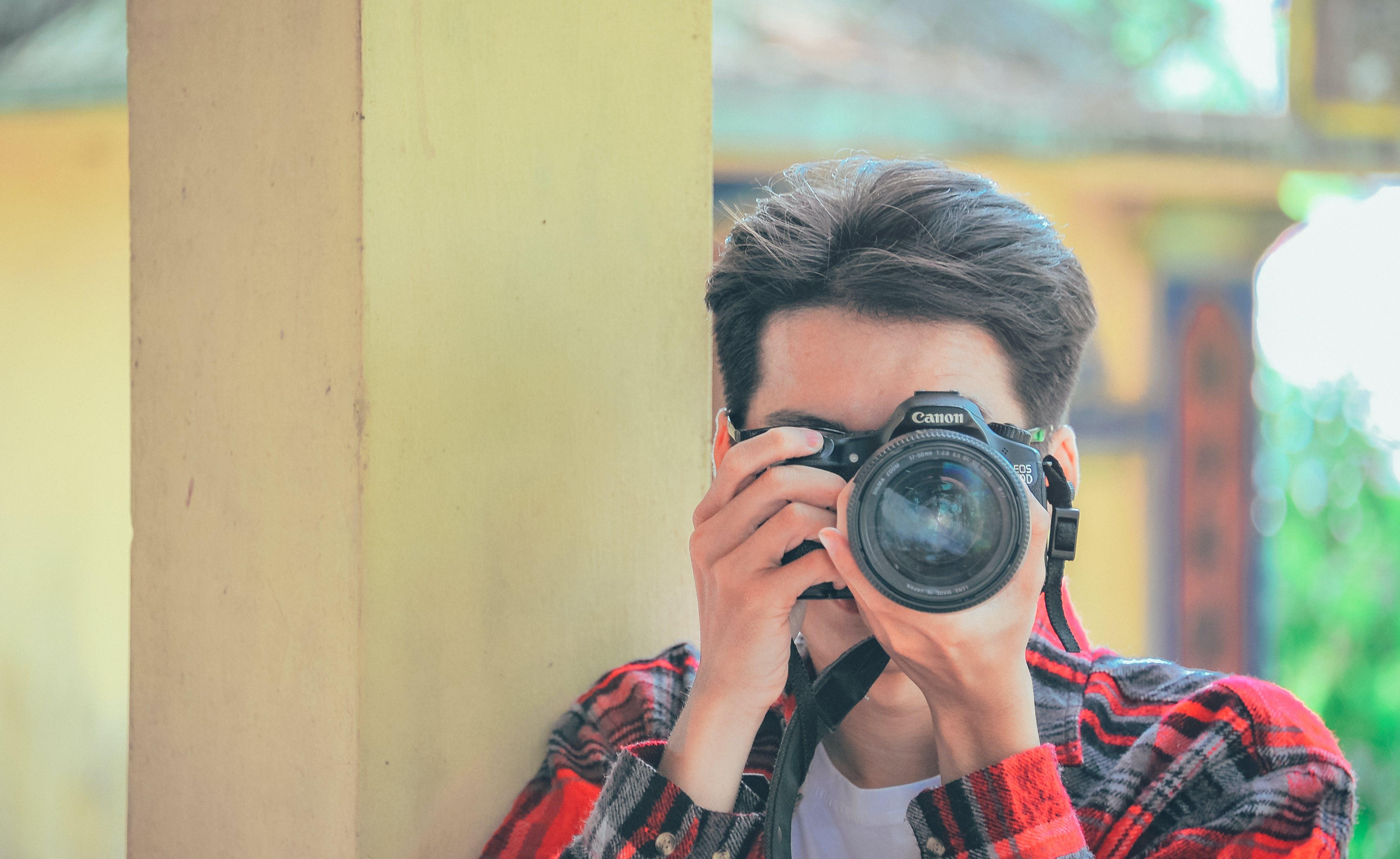 Kostnadsfri bild av fotograf, ha på sig, kamera, lins