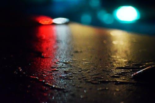 Çeşme, gece, ışıklar, ıslak içeren Ücretsiz stok fotoğraf