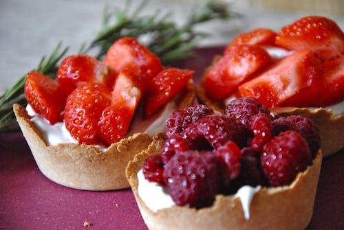 Kostnadsfri bild av hallon, jordgubbar, syrlig