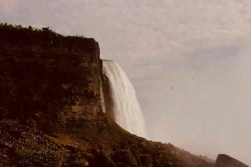 Fotos de stock gratuitas de acantilado, amanecer, caídas, cascadas