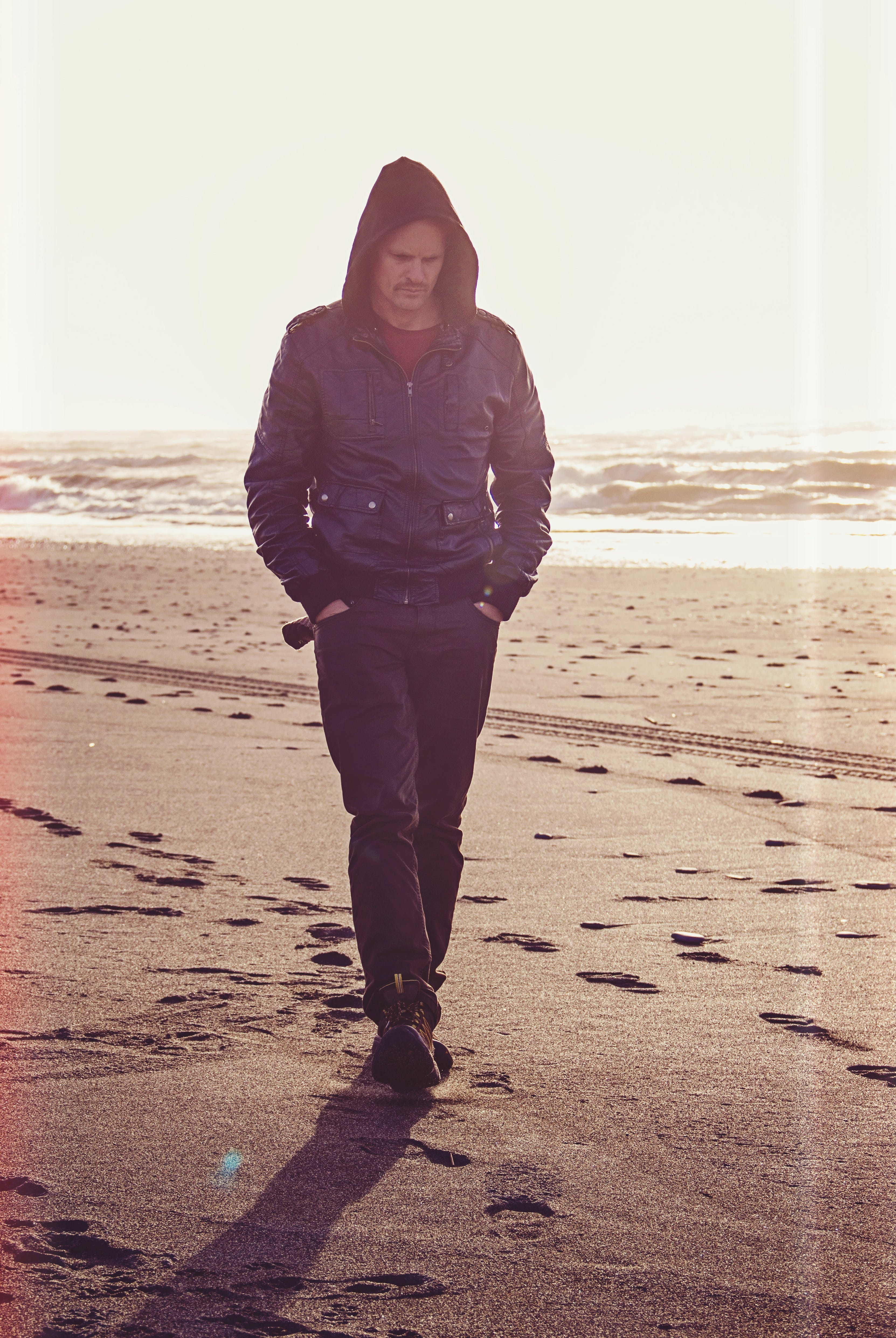 adulto, andando, areia
