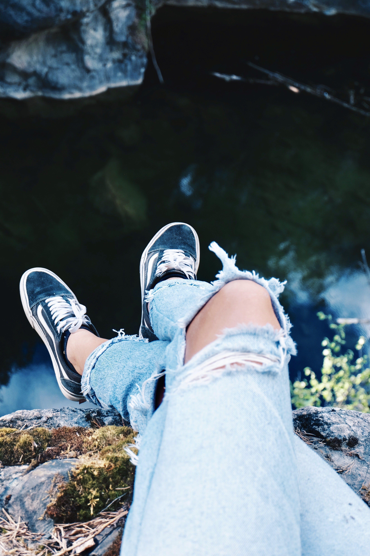 Foto profissional grátis de água, calçados, desgaste, diversão