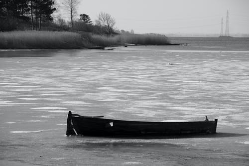 Immagine gratuita di barca, bianco e nero, costa, ghiaccio