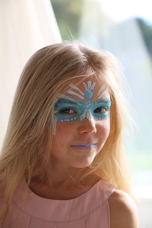 Immagine gratuita di biondo, dipingere, pittura facciale, ragazza