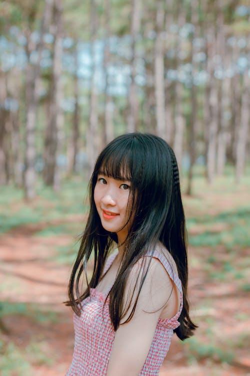 亞洲女人, 亞洲女孩, 人, 光鮮亮麗 的 免费素材照片