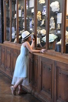 Free stock photo of girl, window, museum, roadtrip