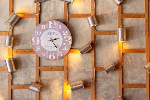 Kostenloses Stock Foto zu alte uhr, beleuchtung, design, draht