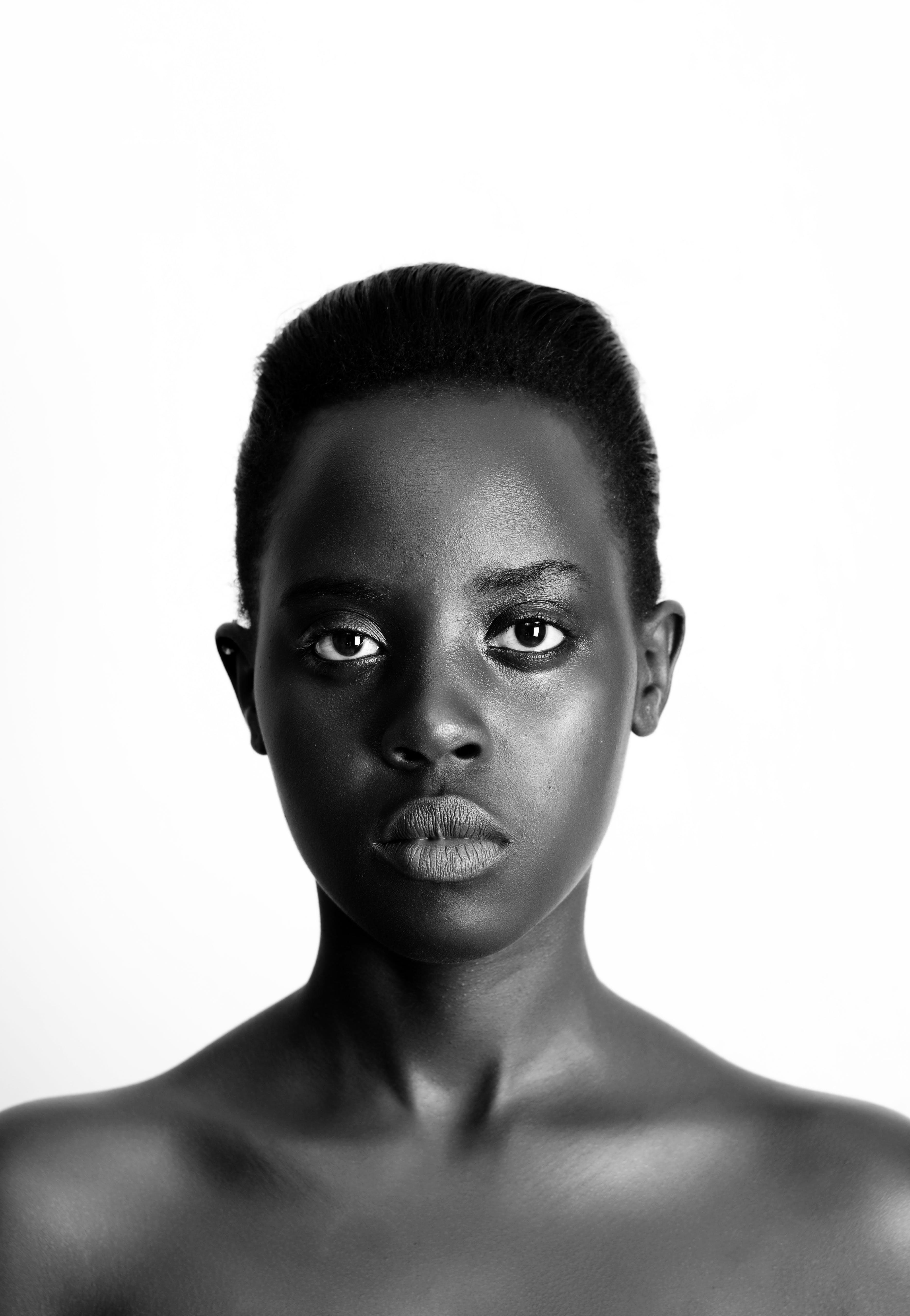 Ingyenes stockfotó álló kép, arckifejezés, bőr, fekete-fehér témában