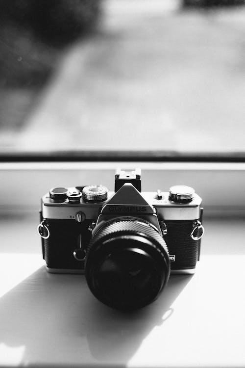 açıklık, aksiyon, analog, araba içeren Ücretsiz stok fotoğraf