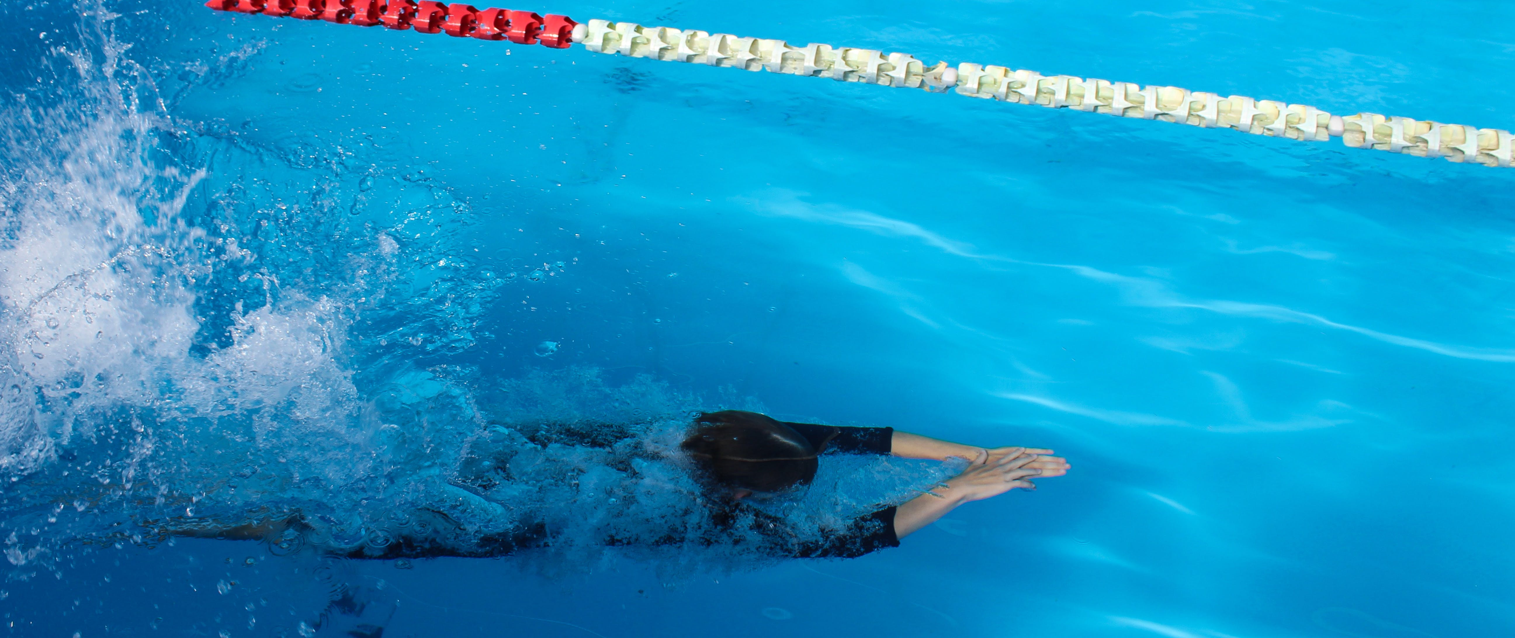 Free stock photo of #dive#water#swimmingpool