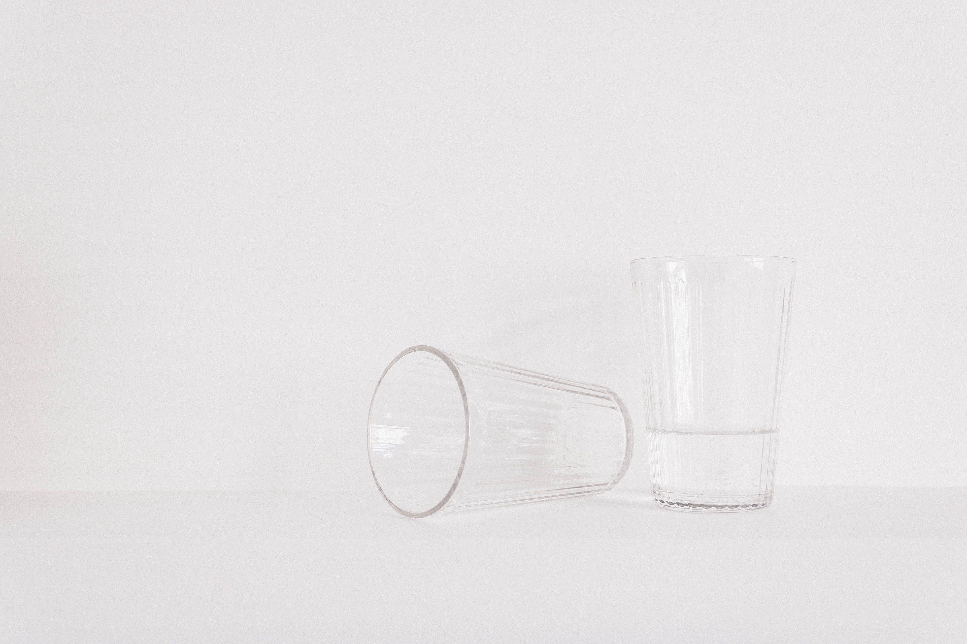 Kostenloses Stock Foto zu wasser, getränk, glas, weiß