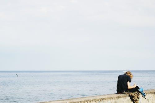 Immagine gratuita di estate, indossare, oceano, persona