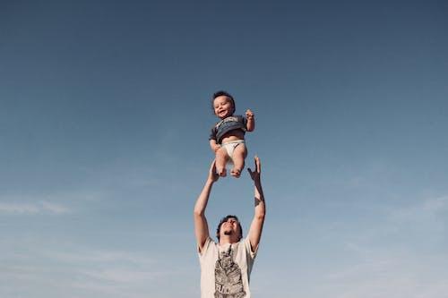 Foto profissional grátis de alegria, amor, bebê, bonitinho