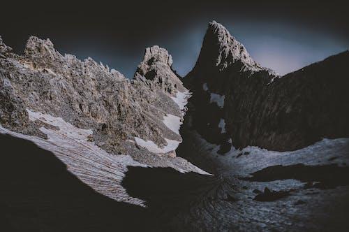 Δωρεάν στοκ φωτογραφιών με rock, απόγευμα, βουνό, γραφικός