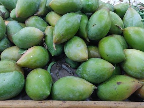 Бесплатное стоковое фото с зеленый манго, рынок, свежие овощи, сырье манго
