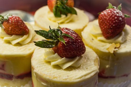 Close-up Photography of Strawberry Shortcakes