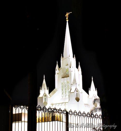 Darmowe zdjęcie z galerii z architektura, fotografia nocna, lds, mormon