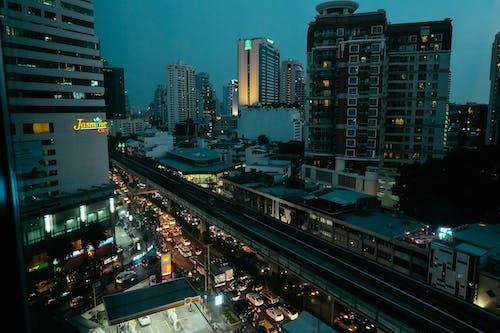 Základová fotografie zdarma na téma Asie, auta, Bangkok, budovy