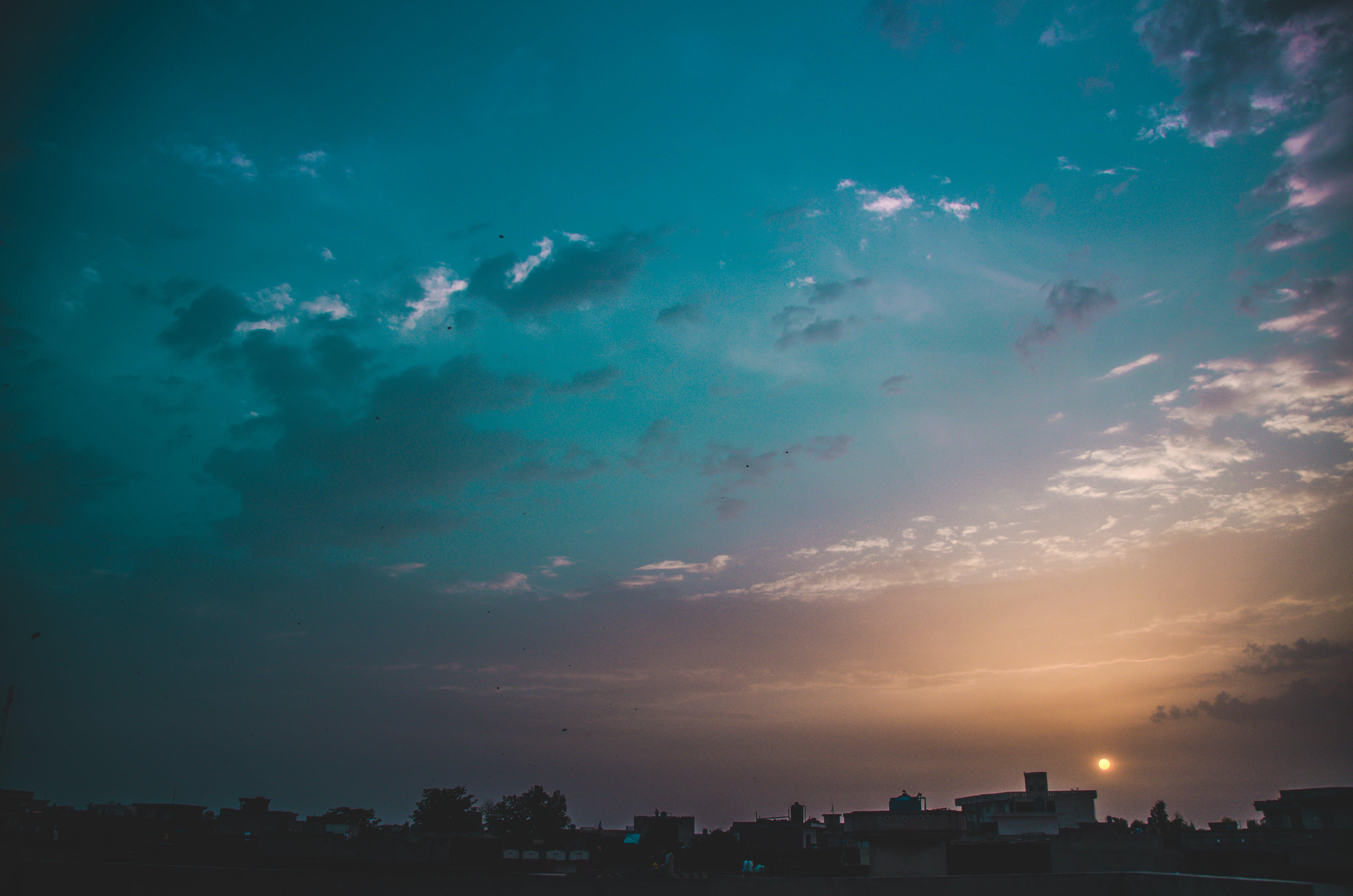 Kostenloses Stock Foto zu abendhimmel, abendsonne, blauer himmel, coole hintergrundbilder
