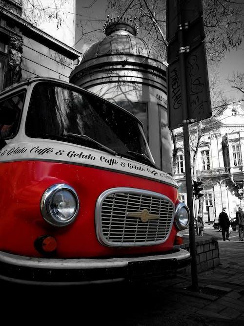 Бесплатное стоковое фото с грузовик, дорога, красный, ретро