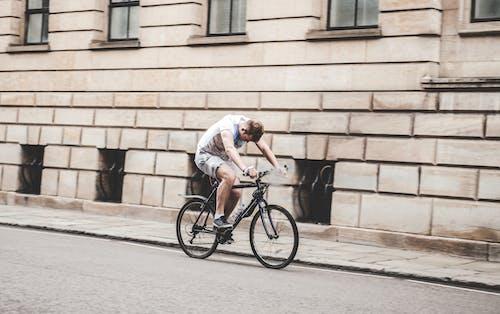 Kostenloses Stock Foto zu ausbildung, bürgersteig, fahrrad, gehweg