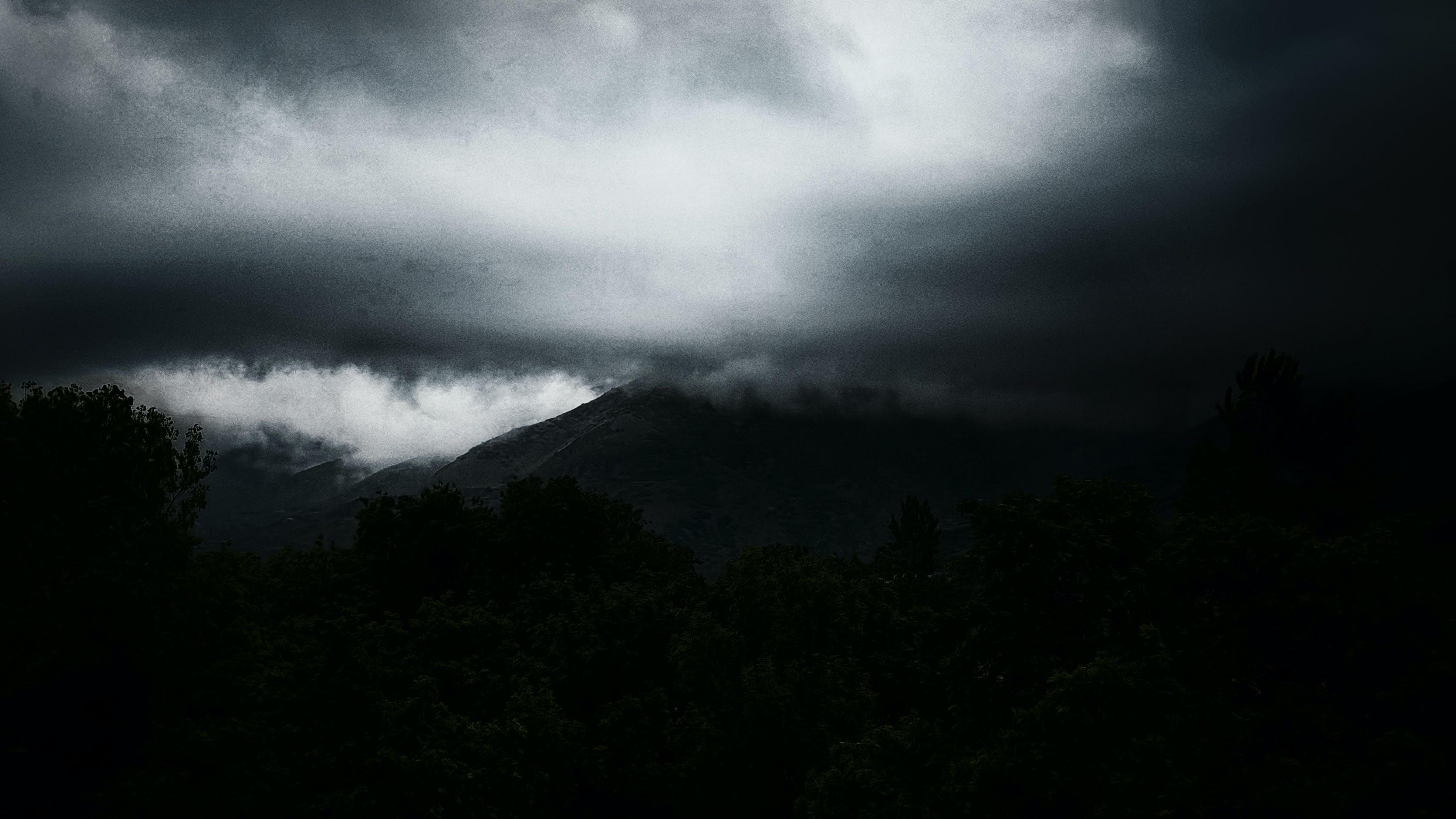 Foto d'estoc gratuïta de cel, núvols, pluja, surrealista