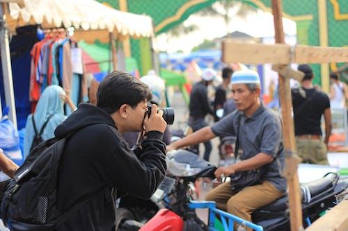 Gratis lagerfoto af asiatiske mennesker, fotograf, gadefotografering, gadekunst