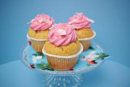 bağımlılık, cupcake, cupcake'ler, düşkünlük içeren Ücretsiz stok fotoğraf