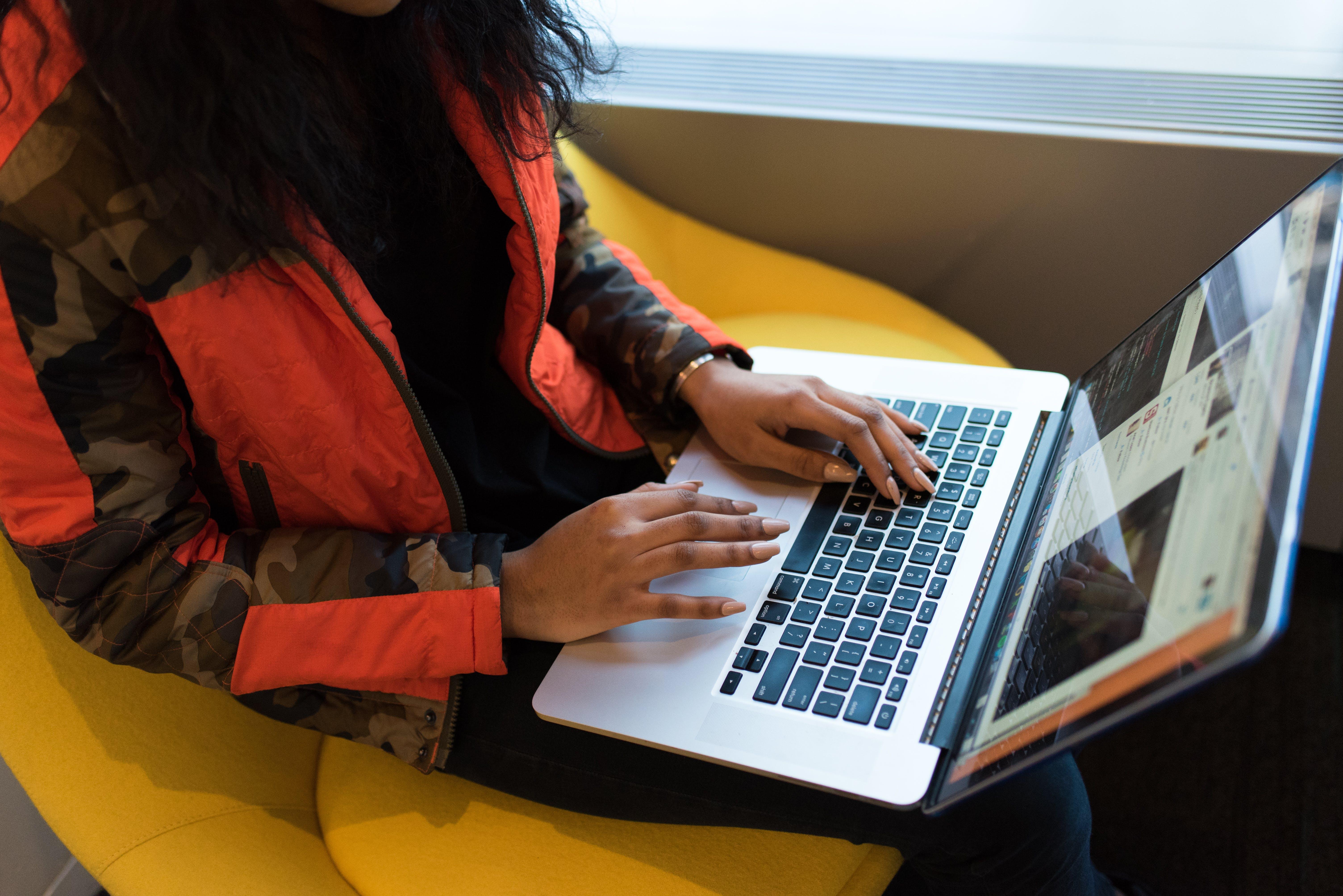 Kostnadsfri bild av arbete, arbetssätt, bärbar dator, inomhus