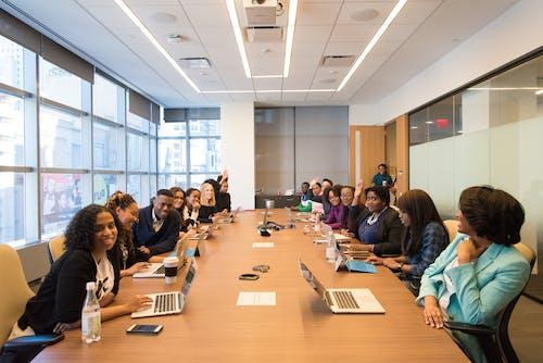 Gratis stockfoto met afspraak, bepraten, binnen, conference room