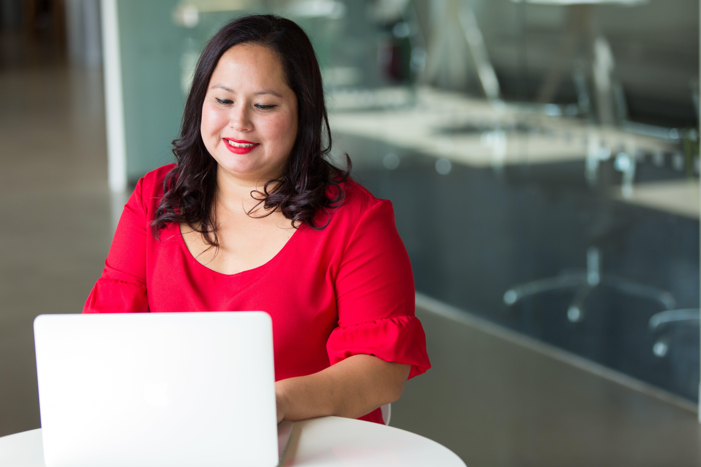 Δωρεάν στοκ φωτογραφιών με laptop, απομακρυσμένη εργασία, ασιατικό κορίτσι, ασιάτισσα
