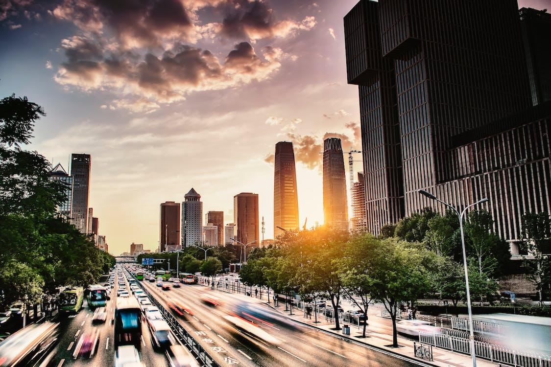 autók, belváros, építészet