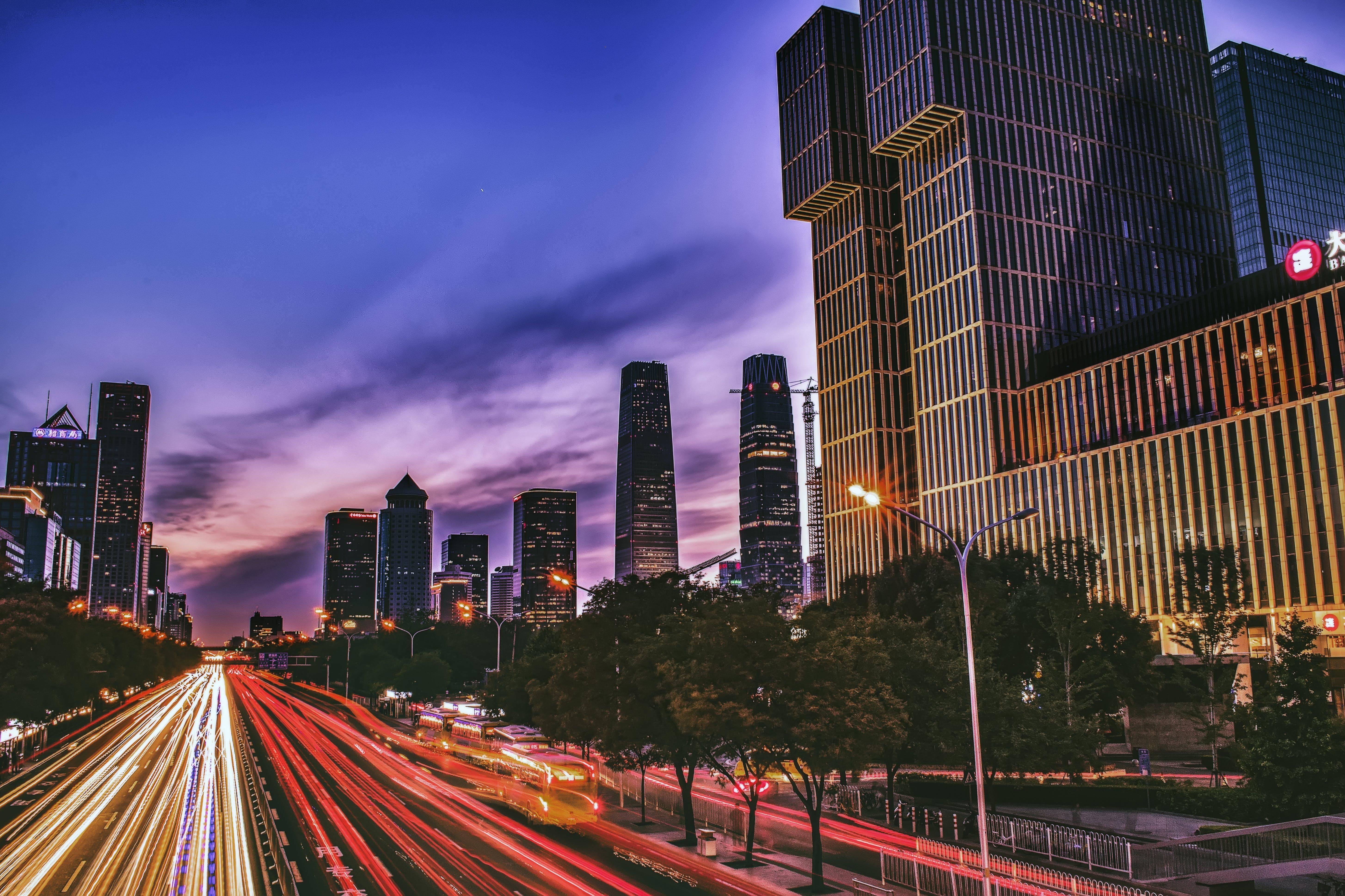Základová fotografie zdarma na téma architektura, budovy, centrum města, dálnice