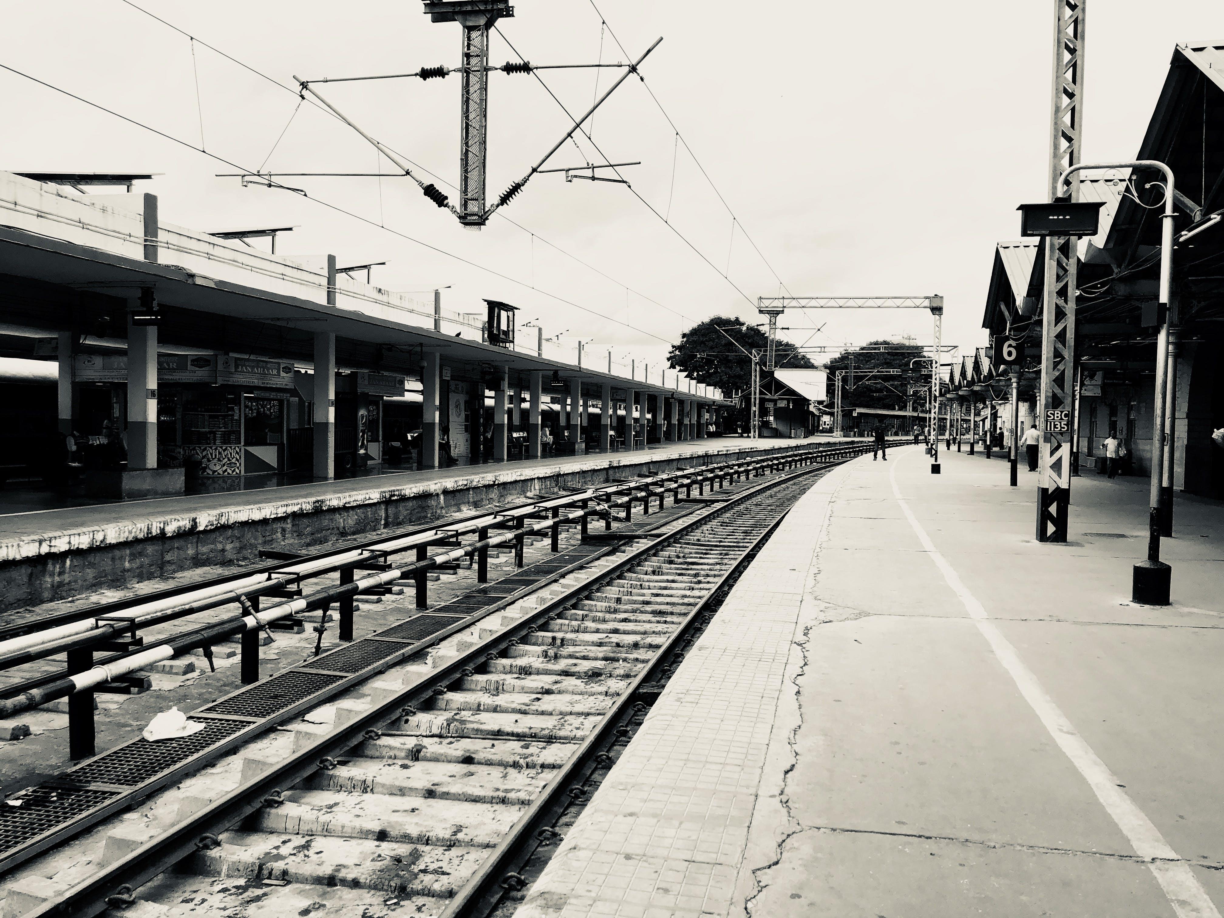 Free stock photo of black and white, cityscape, iPhone X, monochrome