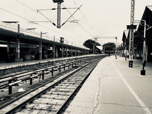 Gratis stockfoto met apple, eenkleurig, spoorlijn, stadsgezicht