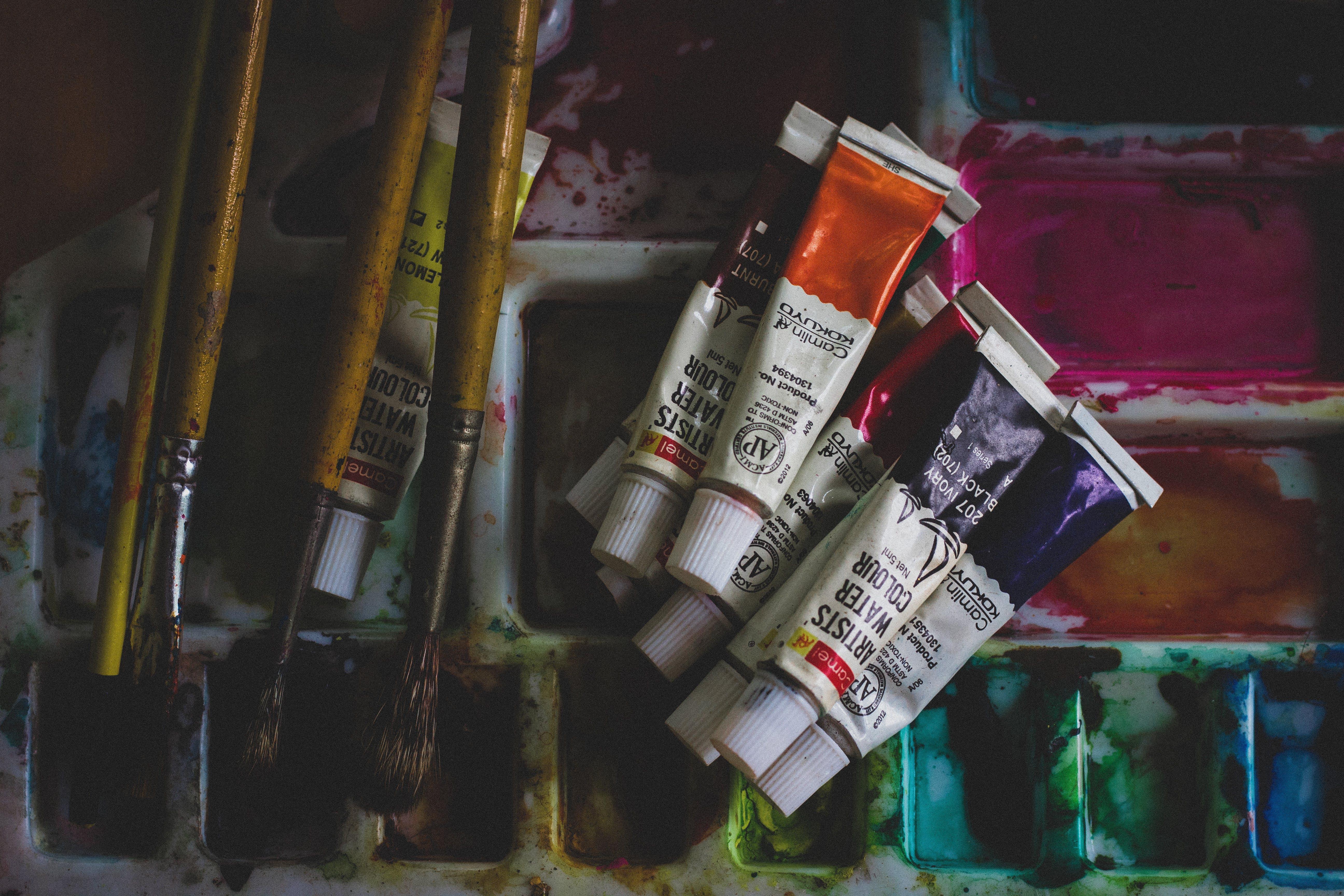 Základová fotografie zdarma na téma kartáčky, malířské štětce, uvnitř