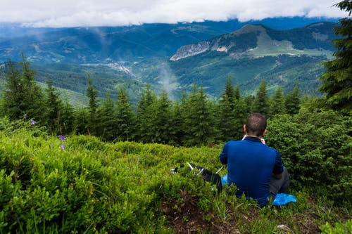 Бесплатное стоковое фото с гора, дневной свет, живописный, мужчина