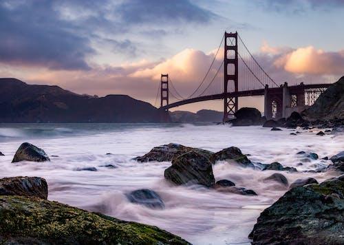 Ilmainen kuvapankkikuva tunnisteilla aamu, Golden gate -silta, kivet, lahti